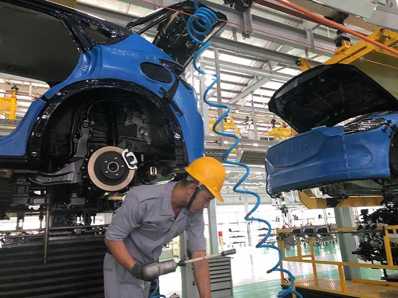 Vì sao Indonesia làm được ô tô 200 triệu đồng, Việt Nam thì không?