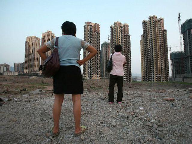 """Sụp đổ thị trường bất động sản - """"cơn ác mộng"""" tồi tệ nhất ở Bắc Kinh - 1"""