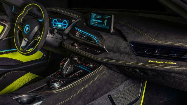 Cận cảnh chiếc BMW i8 Roadster màu xanh neon độc nhất vô nhị - 12