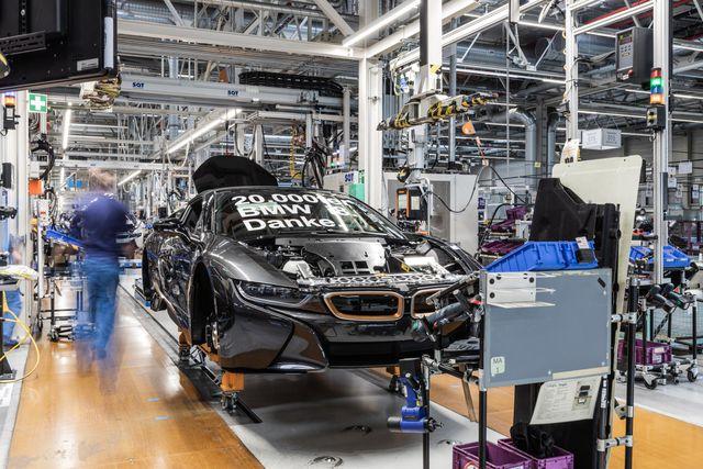 BMW chuẩn bị ngừng sản xuất mẫu i8 - 1