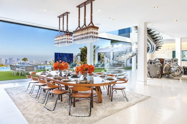 Căn biệt thự Bel Air tuyệt đẹp với khoản thế chấp khổng lồ 58 triệu USD - 2
