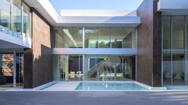 Vẻ đẹp hiện đại bên trong căn siêu biệt thự xa hoa trị giá hơn 1500 tỷ đồng - 2