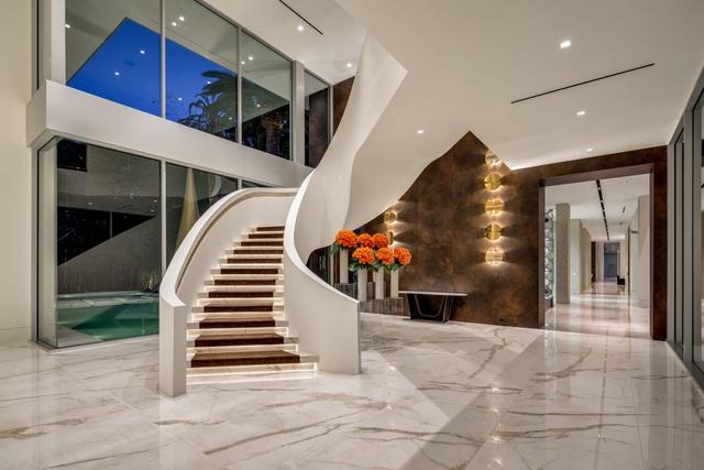 Vẻ đẹp hiện đại bên trong căn siêu biệt thự xa hoa trị giá hơn 1500 tỷ đồng - 3