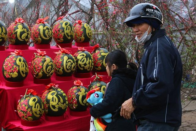 Sôi động chợ hoa Tết lớn nhất Hà Nội - 5