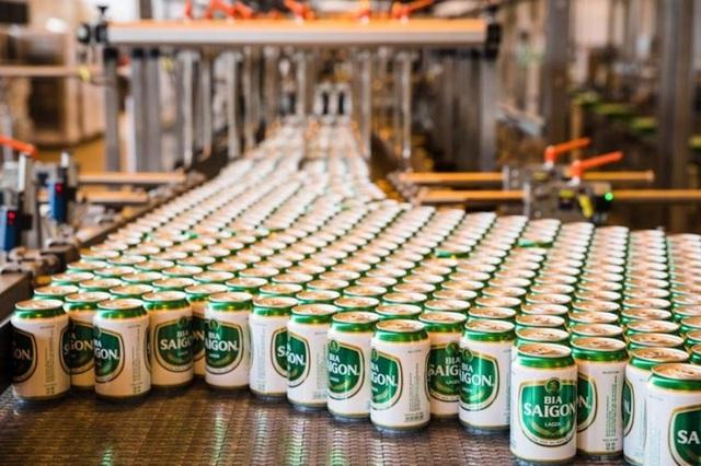 Bloomberg: Áp dụng luật bia rượu mới, doanh số bán bia tại Việt Nam tụt giảm thê thảm - 2