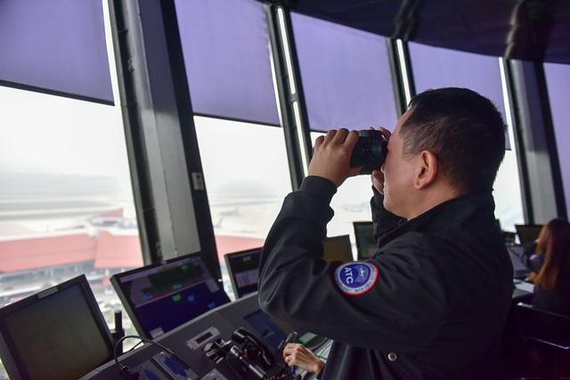 """""""Đột nhập"""" nơi kiểm soát những chuyến bay trên vùng trời quan trọng nhất Việt Nam - 3"""