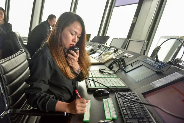 """""""Đột nhập"""" nơi kiểm soát những chuyến bay trên vùng trời quan trọng nhất Việt Nam - 4"""