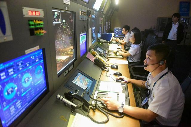 """""""Đột nhập"""" nơi kiểm soát những chuyến bay trên vùng trời quan trọng nhất Việt Nam - 7"""