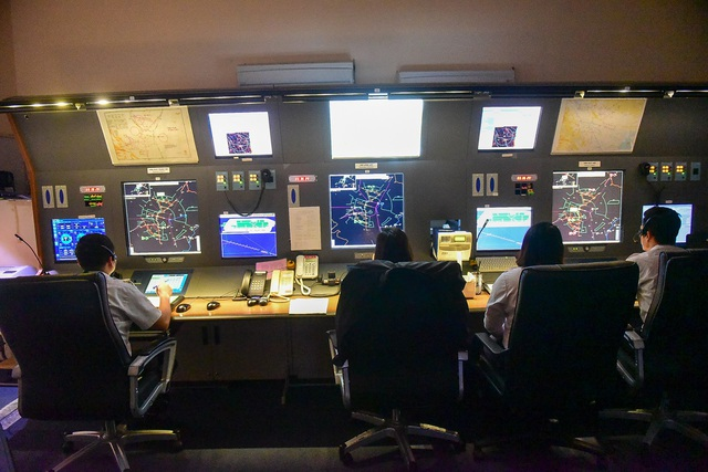 """""""Đột nhập"""" nơi kiểm soát những chuyến bay trên vùng trời quan trọng nhất Việt Nam - 9"""