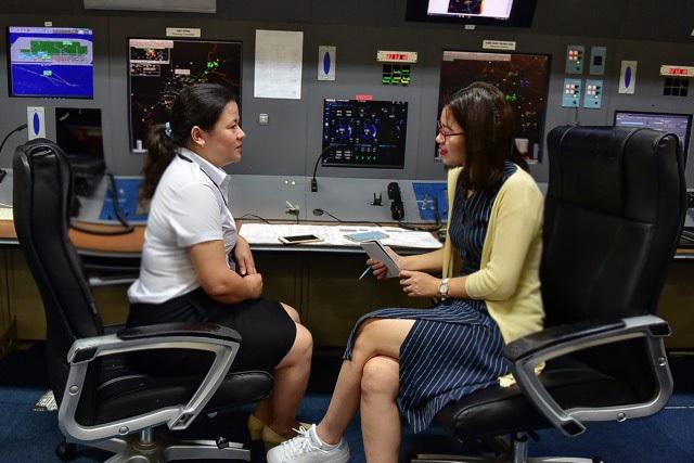 Nữ kiểm soát viên 3 lần điều hành chuyên cơ Tổng thống Mỹ tới Việt Nam - 2