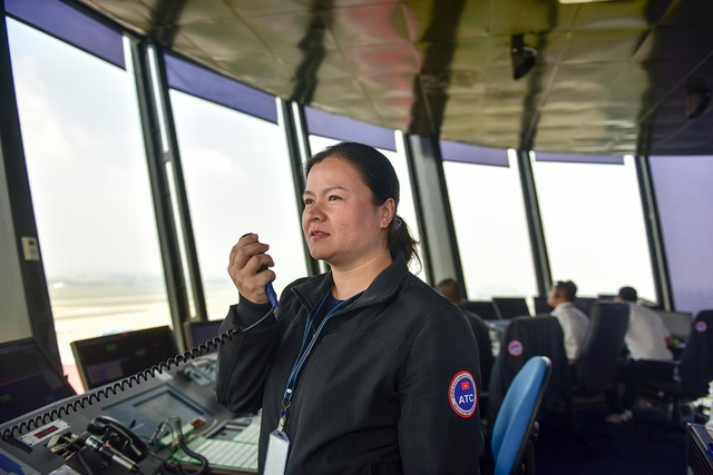 Nữ kiểm soát viên 3 lần điều hành chuyên cơ Tổng thống Mỹ tới Việt Nam - 3