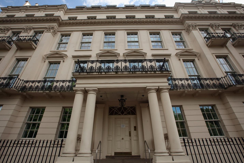 Bí mật về vị tỷ phú Trung Quốc mua căn nhà đắt nhất nước Anh
