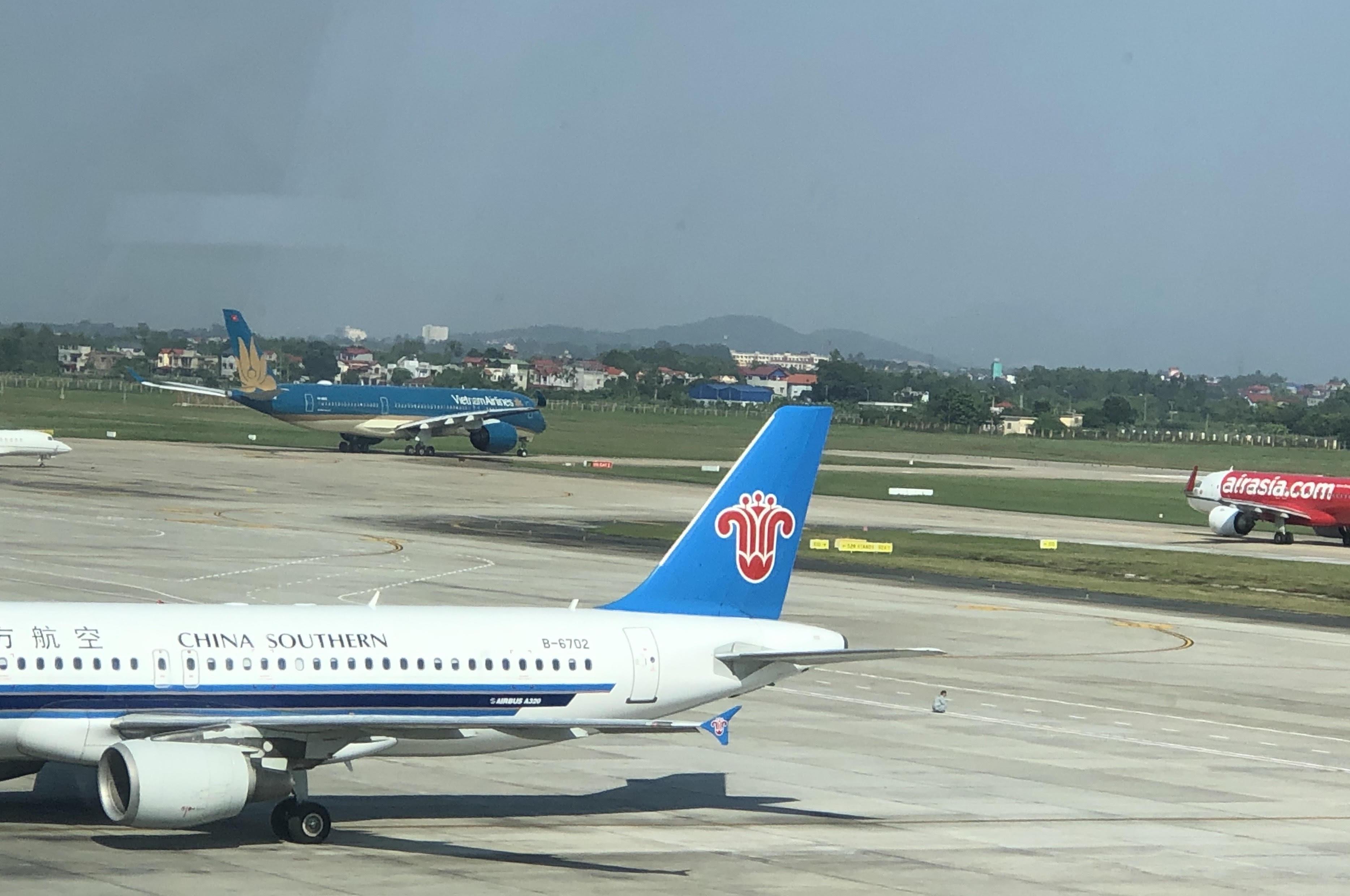 """Hãng hàng không Trung Quốc """"áp đảo"""" trên đường bay tới Việt Nam"""