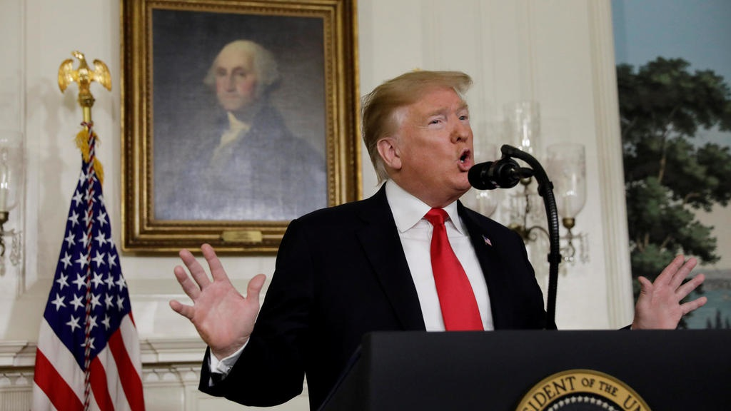 Ông Trump tuyên bố chặn đứng dịch virus corona, Trung Quốc từ chối được giúp đỡ