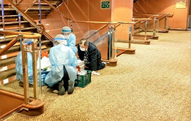 Nhật Bản cách ly tàu du lịch chở 3.700 người vì có hành khách nhiễm virus corona - 2