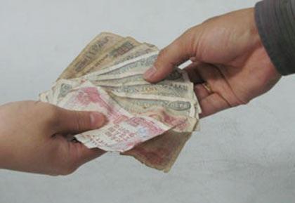 Phòng tránh virus corona, hạn chế thanh toán bằng tiền mặt