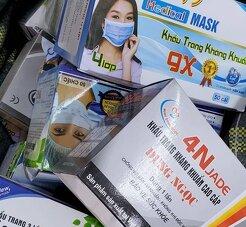 Không còn tình trạng chen lấn mua khẩu trang ở chợ thuốc lớn nhất miền Bắc