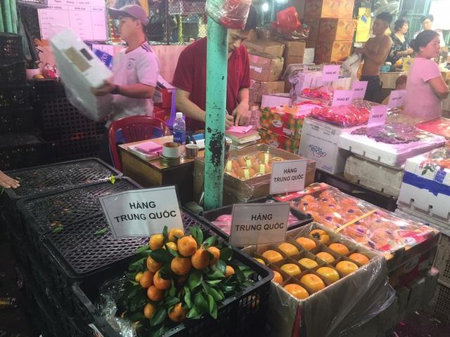 Các cửa khẩu tạm đóng sao rau củ quả Trung Quốc vẫn bán đầy chợ? - 3