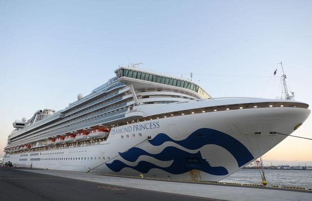 Thêm 39 người trên du thuyền ở Nhật Bản nhiễm virus corona - 1