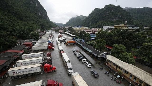 Được xuất nhập hàng qua cửa khẩu phụ và lối mở ở Lạng Sơn, Quảng Ninh.