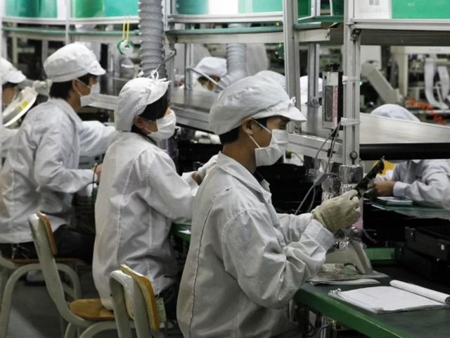 Các hãng ô tô Trung Quốc lấn sân sản xuất khẩu trang chống dịch virus corona - 2