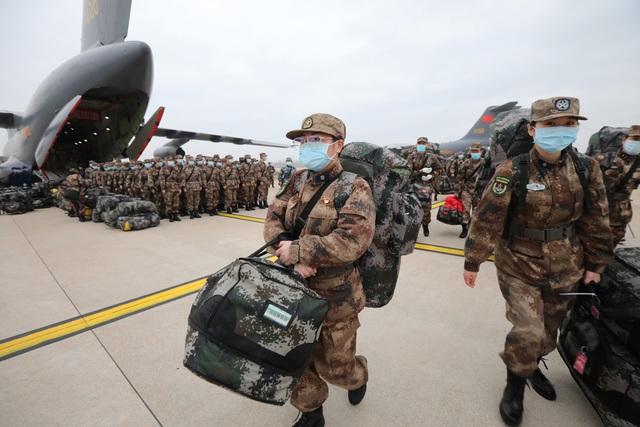 """Trung Quốc điều 11 máy bay quân sự chở hàng nghìn quân y """"giải cứu"""" Vũ Hán - 4"""