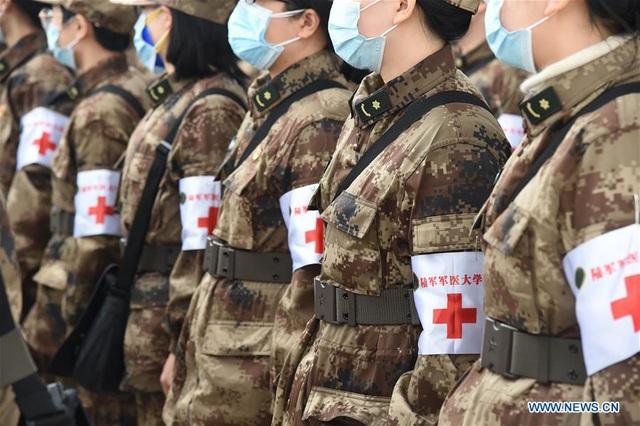 """Trung Quốc điều 11 máy bay quân sự chở hàng nghìn quân y """"giải cứu"""" Vũ Hán - 6"""