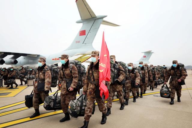 """Trung Quốc điều 11 máy bay quân sự chở hàng nghìn quân y """"giải cứu"""" Vũ Hán - 8"""