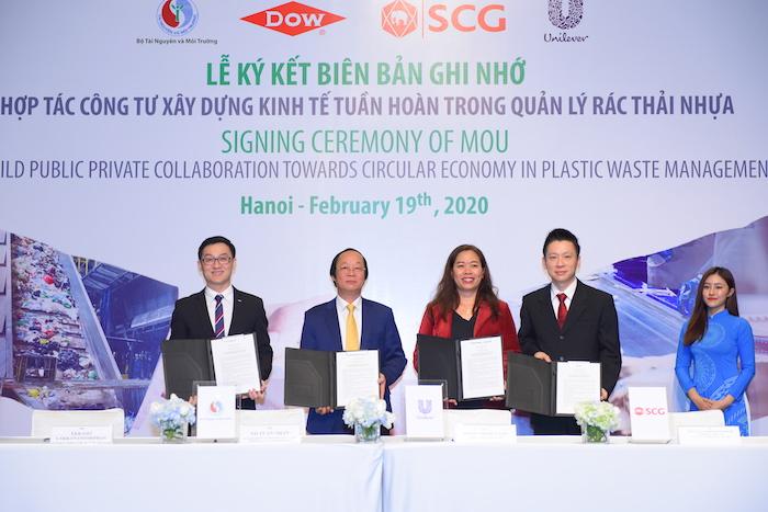 Việt Nam hướng tới không nhập khẩu nhựa, nilon khó phân huỷ năm 2025