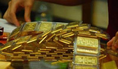 Giá vàng tăng cao chóng mặt, liên tiếp đạt đỉnh 7 năm