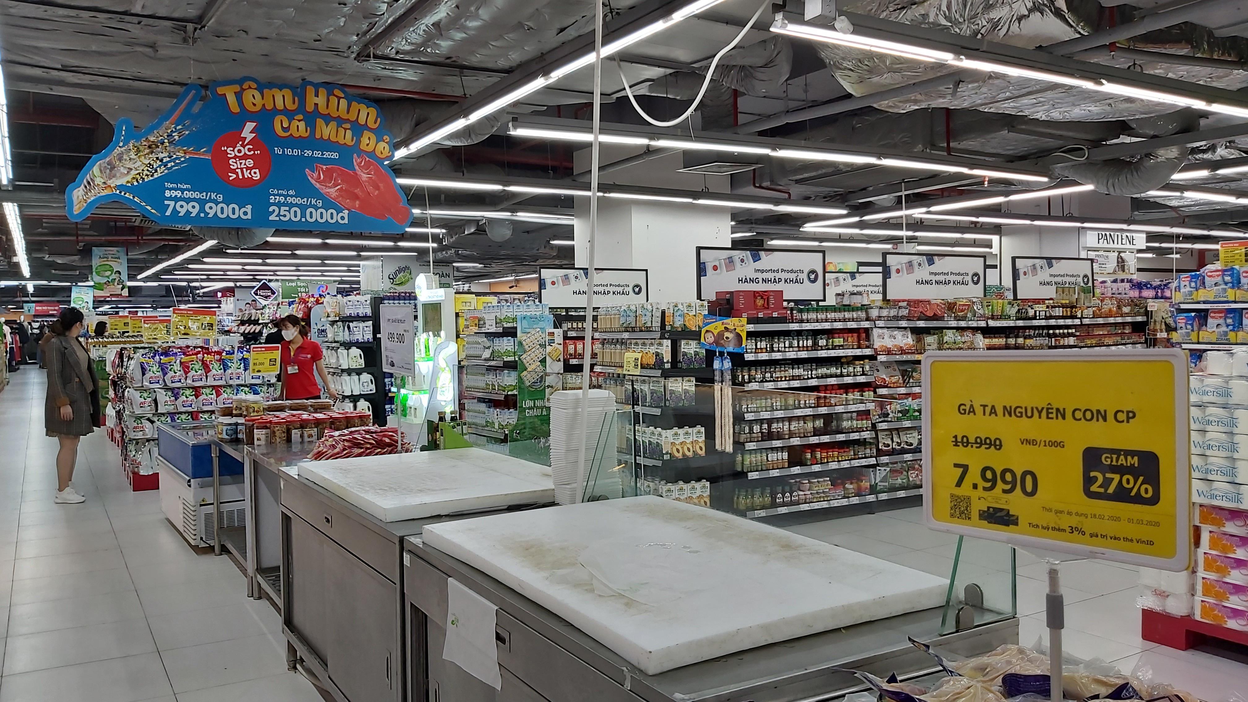 Dân Hà Nội lùng siêu thị, canh cả ngày không được