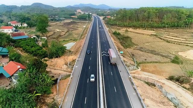 Phương tiện giảm mạnh trên tuyến đường thông thương Việt Nam - Trung Quốc - 2