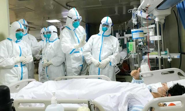 Số người chết vì virus corona ở Trung Quốc lên 2.345 - 1