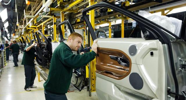 Jaguar Land Rover có thể phải ngừng sản xuất tại Anh vì dịch Covid-19 - 1