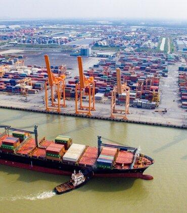 """Vận tải biển lỗ nặng, nguy cơ """"đắp chiếu"""" toàn đội tàu vì dịch corona"""