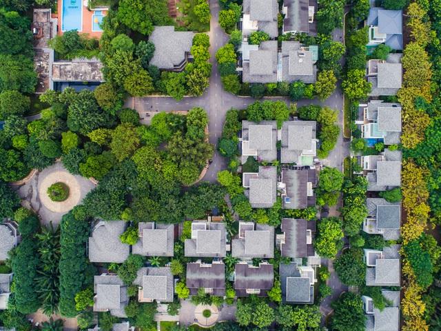 Vì sao nhà đầu tư vẫn ùn ùn rót tiền vào bất động sản? - 3