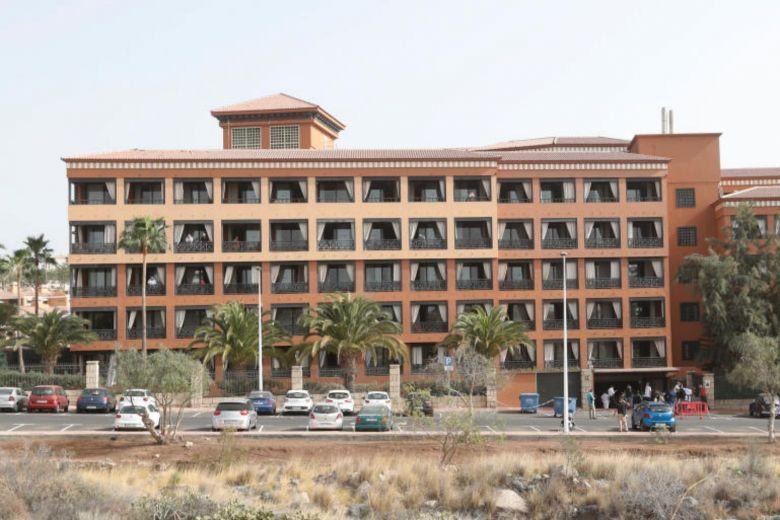 Khách sạn 1.000 người bị phong tỏa vì du khách Italia nhiễm Covid-19