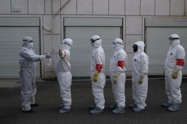 Virus corona càn quét khắp các châu lục, thế giới đứng ngồi không yên - 3