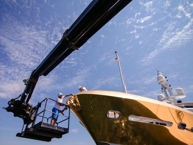 Cận cảnh siêu du thuyền hơn 450 tỷ đồng được mạ vàng - 4