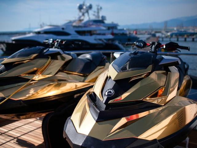 Cận cảnh siêu du thuyền hơn 450 tỷ đồng được mạ vàng - 6