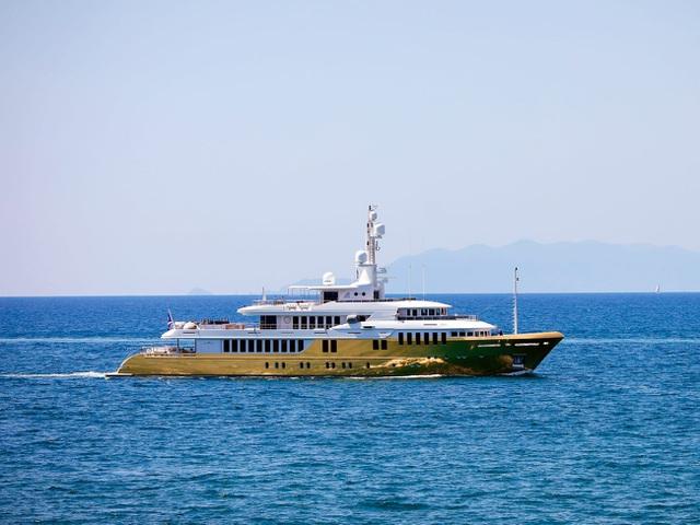Cận cảnh siêu du thuyền hơn 450 tỷ đồng được mạ vàng - 8