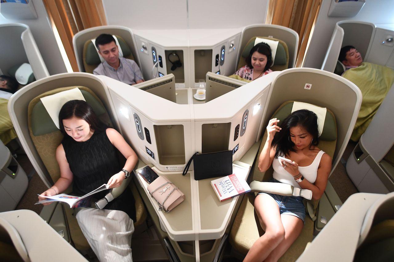 """Hạng ghế """"siêu sang"""" cô gái nhiễm Covid-19 bay từ London về Hà Nội"""