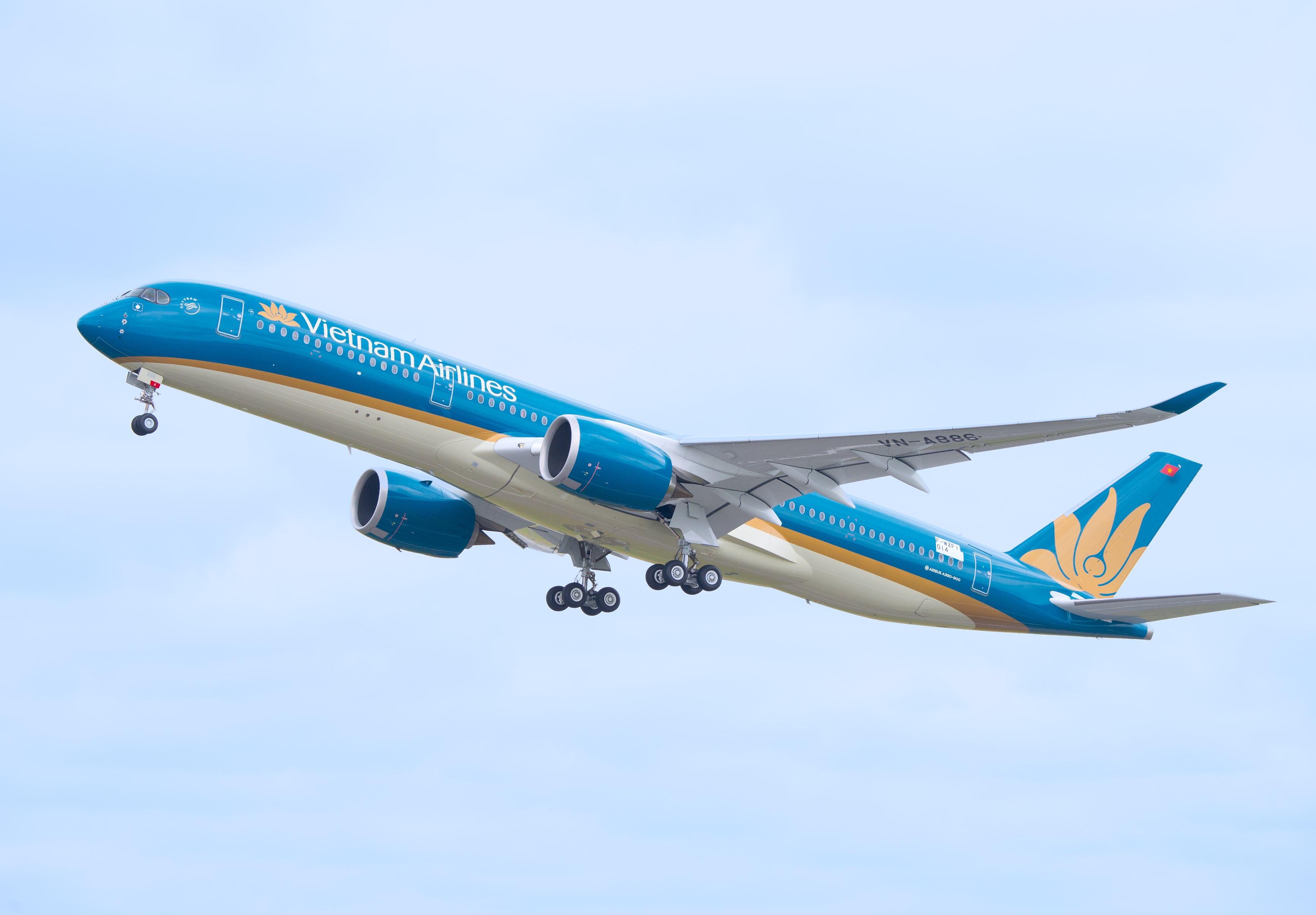 Vietnam Airlines khẩn cấp hủy chuyến bay tới Pháp trước giờ cất cánh