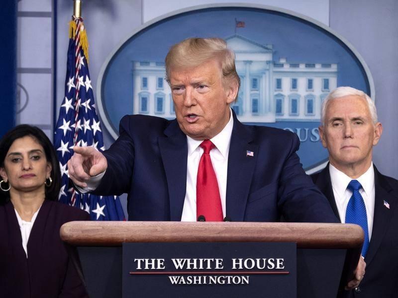 Số ca Covid-19 ở Mỹ lên gần 8.000, ông Trump kích hoạt