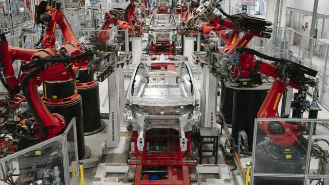 Tesla bị tuýt còi vì làm trái lệnh cấm, định tiếp tục sản xuất xe - 1