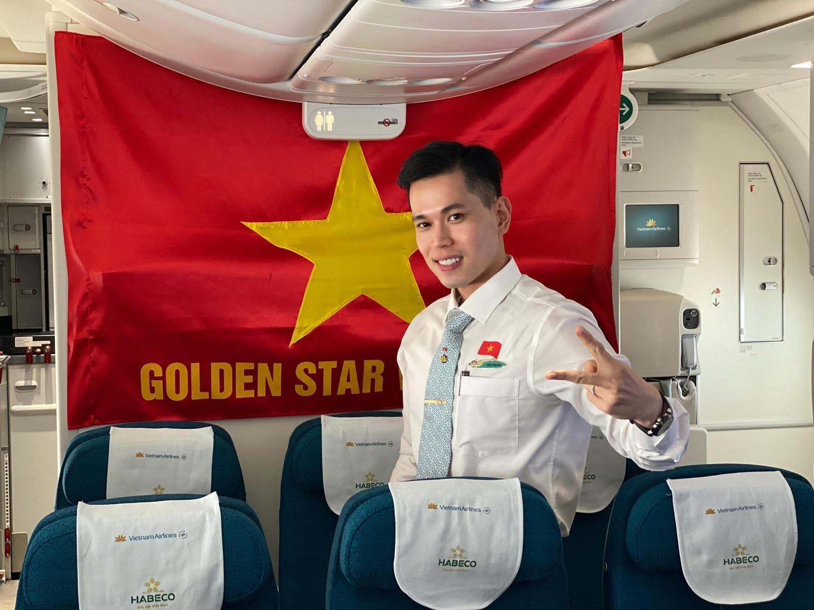 """Tiếp viên hàng không trước chuyến bay quốc tế cuối cùng trong """"bão dịch"""""""