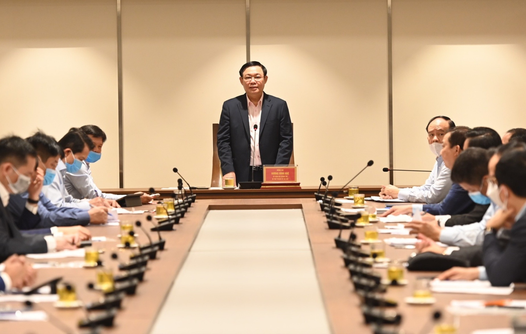 Bí thư Hà Nội muốn huy động khách sạn làm nơi cách ly tập trung