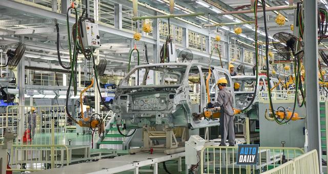 Hàng loạt hãng xe thế giới đóng cửa, thị trường xe Việt ra sao? - 1