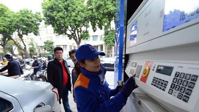 DN vận tải nói gì về việc không giảm giá cước, dù giá xăng dầu giảm mạnh? - 1