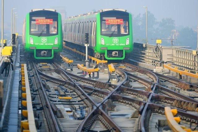 """Đường sắt Cát Linh - Hà Đông đã """"bết bát"""" lại thêm """"lụt"""" vì dịch Covid-19"""